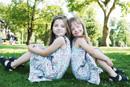 Kinder mit Down-Syndrom und ihre Zwillingsgeschwister lernen voneinander