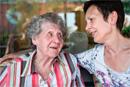 Weihnachten feiern mit Alzheimer-Patienten Tipps und Anregungen für die Feiertage mit der Familie